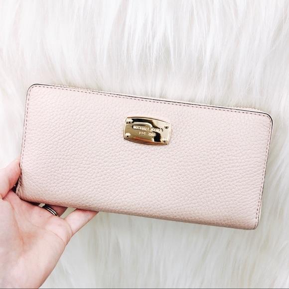 49b1a73061d1 ✨not for sale ✨ Michael Kors Light Pink wallet